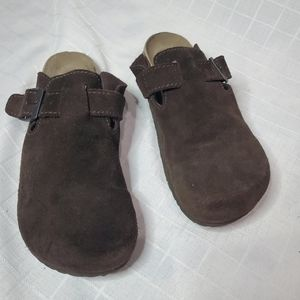 Bjorndal brown suede clogs sz. 8.5